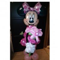 Мышка с букетом в розовом платье